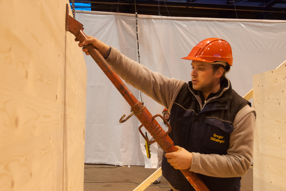 Wolfgang installing a temporary steel structure to support the core