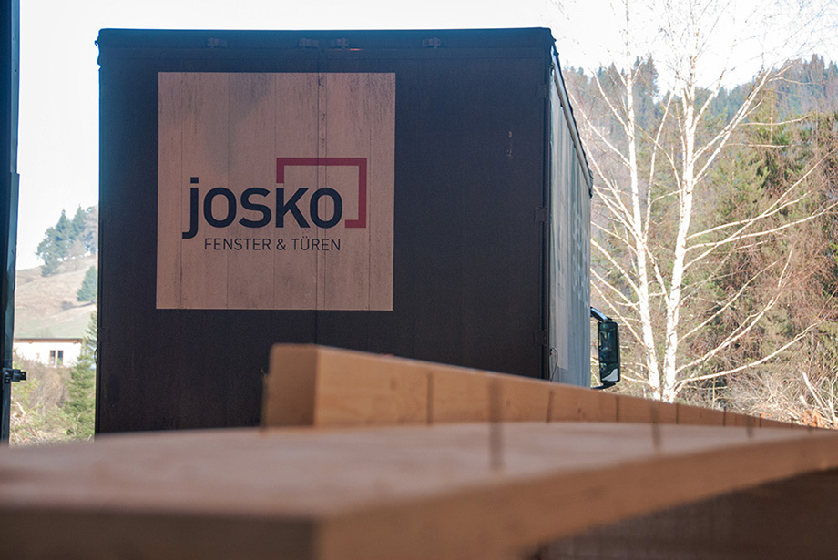 The Josko truck arrives