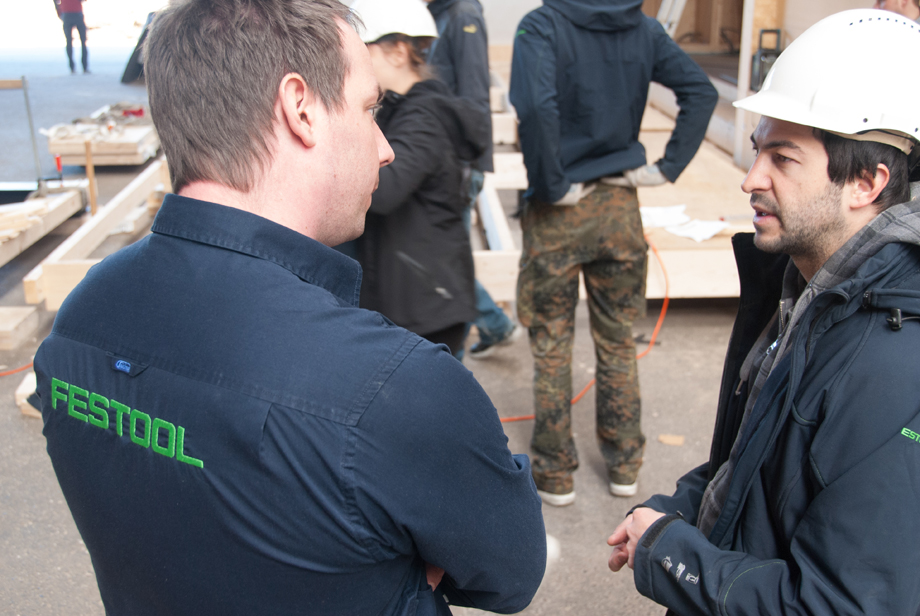 Johannes asking a Festool employee some questions