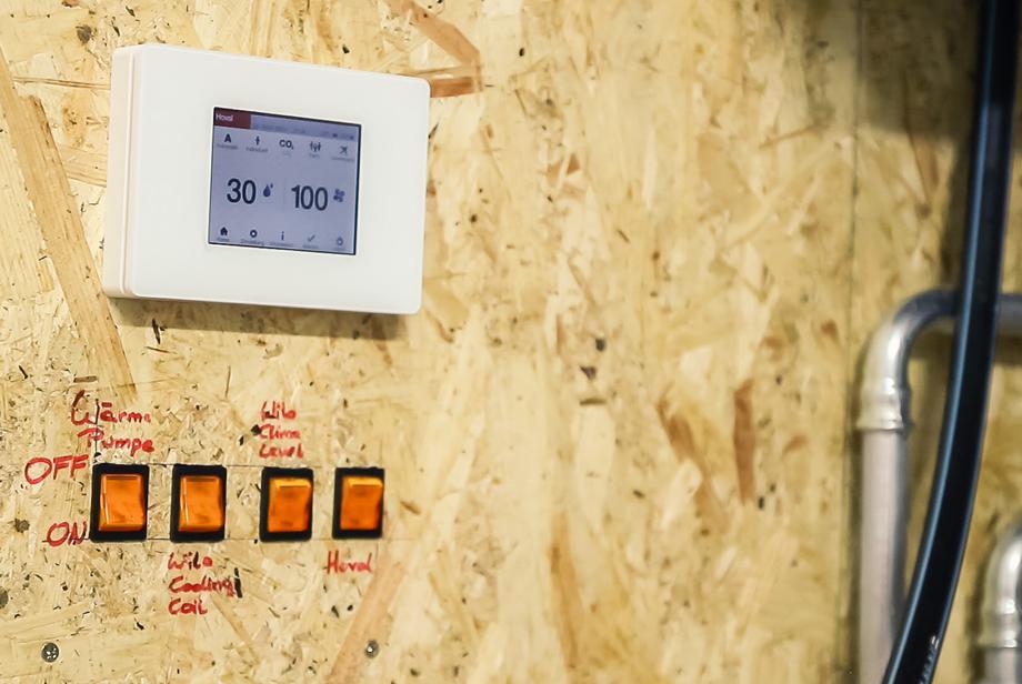 Temperature reader showing values