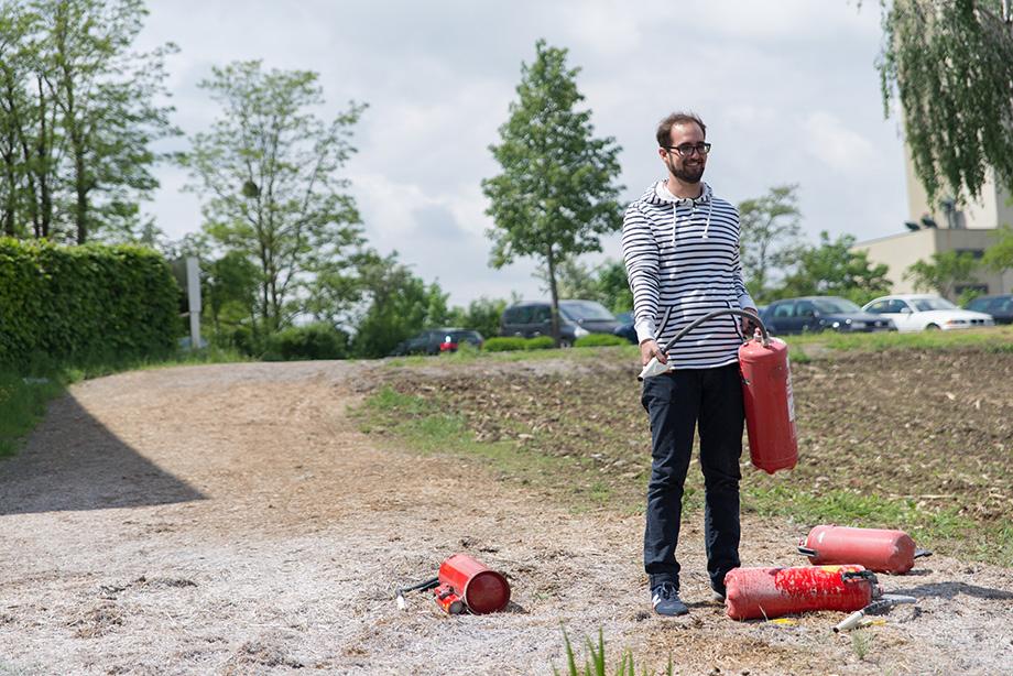 Johannes doing some more explaining on extinguishers