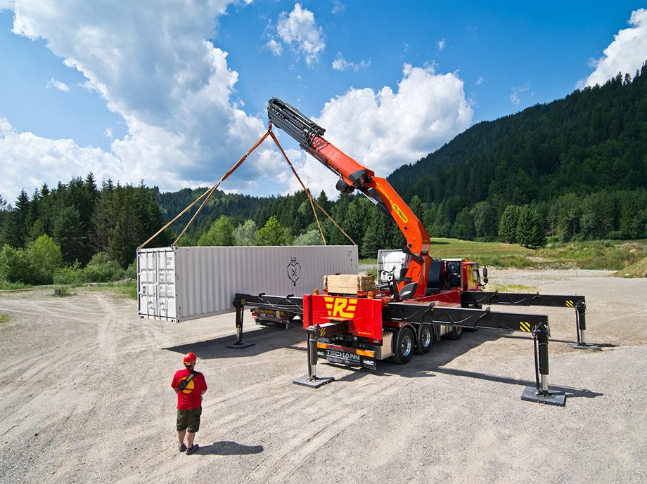 Powerful new crane by company Palfinger